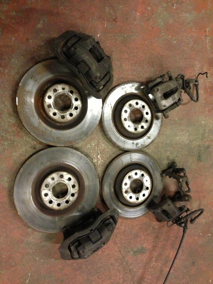 Audi S3 VW R32 Seat Leon Cupra 345mm Brake Kit Front + Rear Calipers Carriers Discs and Pads ...